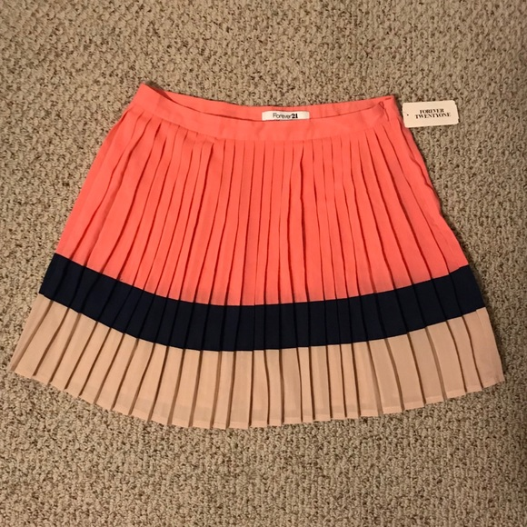 bd6ac7e174 Forever 21 Skirts | Pleated Skirt | Poshmark